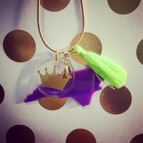mardi gras necklace NC crown purple gold green tassel